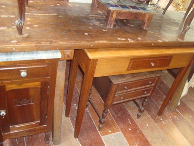 Antiquários e Antiguidades Chapeleiras e Espelhos Antigos na Zona Oeste SP
